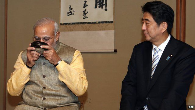 India's PM Narendra Modi with Japan's PM Shinzo Abe at a tea ceremony in Tokyo