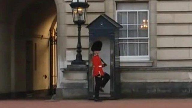 Grenadier Guardsman outside Buckingham Palace
