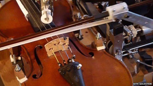 Kinetic sculpture violin