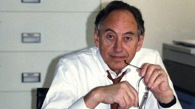 Toffler en un programa de la BBC en 1995