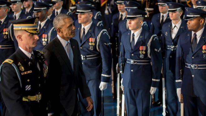 Obama en desfile militar.