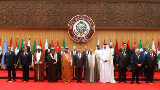 يحضر القمة 17 من قادة العالم العربي