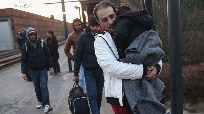 В течение года датские полицейские конфисковали у беженцев наличные деньги лишь четыре раза