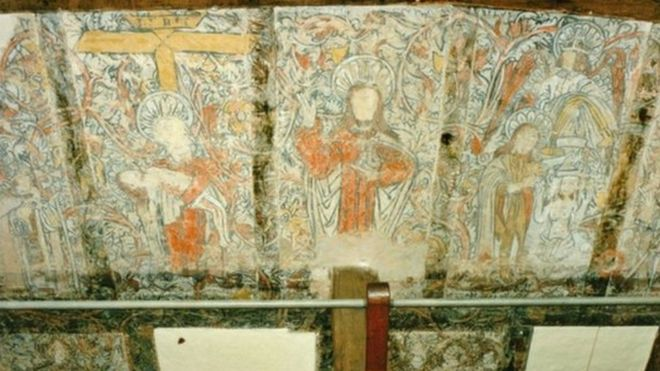 Pre-Reformation wall paintings in the Piccotts End Cottages