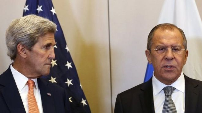 Waziri wa maswala ya kigeni wa Marekani JOhn Kerry (kushoto) na mwenzake wa Urusi Sargei Lavrov (kulia) wamekuwa wakijadiliana kwa muda mrefu kuhusu amani nchini Syria