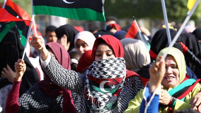 Liibiya: Xayiraad safar oo dumarka oo keli ah la saaray