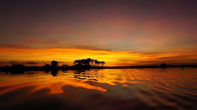 Atardecer en el delta de Okavango.