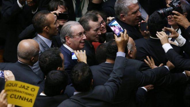Eduardo CUnha deixa Câmara após cassação
