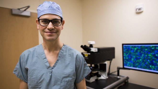 El doctor Daniel Orringer, líder del estudio.