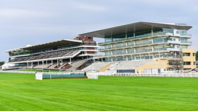Trade Stands Cheltenham Festival : New cheltenham racecourse grandstand to open in november