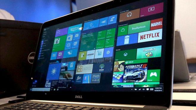La mujer que le ganó US$10.000 a Microsoft por una actualización fallida de Windows 10