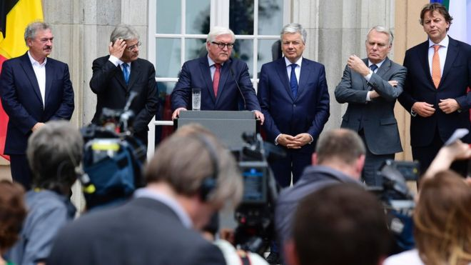 "Luxembourg's Foreign minister Jean Asselborn, Italy's Foreign minister Paolo Gentiloni, Germany's Foreign minister Frank-Walter Steinmeier, Belgium's Foreign minister Didier Reynders, France""s Foreign minister Jean-Marc Ayrault and Netherlands"" Foreign minister Bert Koenders at a conference"