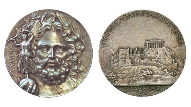 Deux côtés de la médaille olympique de 1896