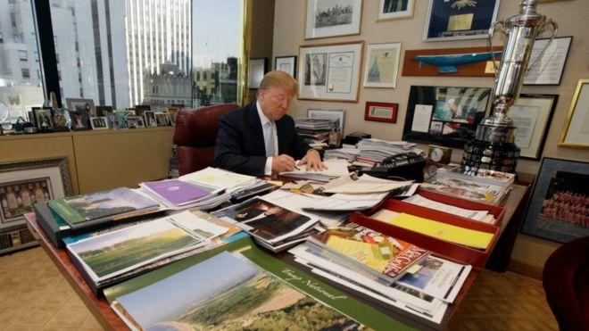 Donald Tramp iş həyatından gedir
