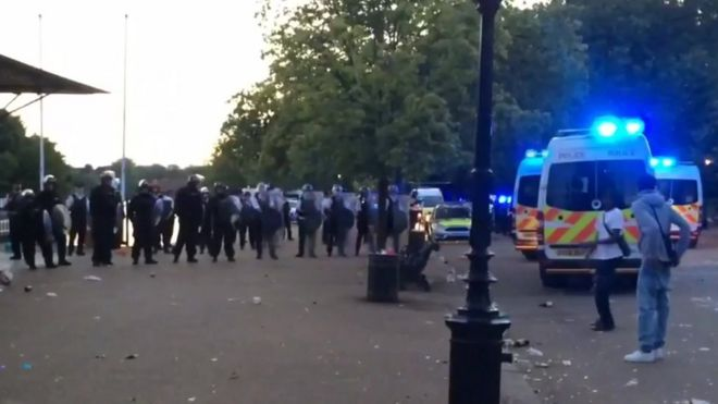 Police attend disorder in Hyde Park