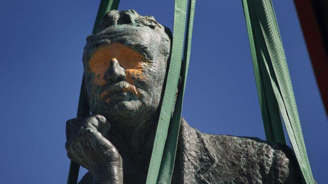 Defaced face of Cecil Rhodes statue