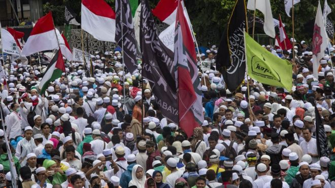 Islamic hardliners demonstrate against Basuki Tjahaja Purnama
