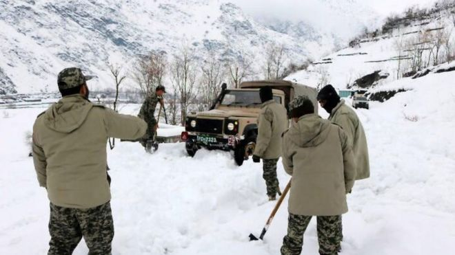 More than 100 die as avalanches hit Afghanistan and Pakistan