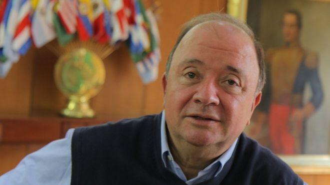 """""""Esa batalla por la ocupación de territorios que dejaron las FARC la ganamos ya"""": ministro de Defensa de Colombia, Luis Carlos Villegas"""
