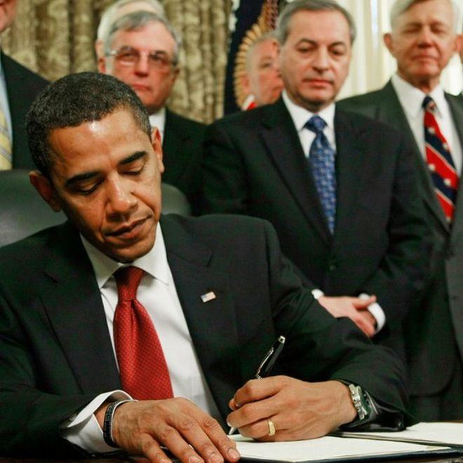 Obama firma para cerrar la cárcel de la Bahía de Guantánamo