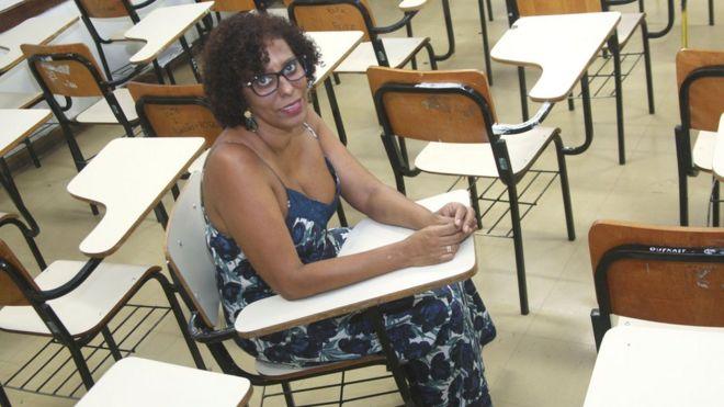 Jonê Carla Brandão em escola do Rio