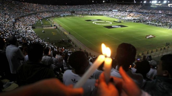 A tragédia nos transformou em uma torcida só, diz repórter colombiana sobre 'experiência mais difícil da carreira'