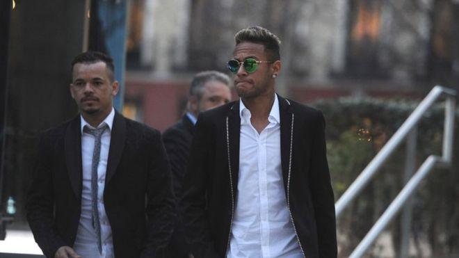 Neymar of FC Barcelona leaves the National Court in Madrid (02 February 2016)