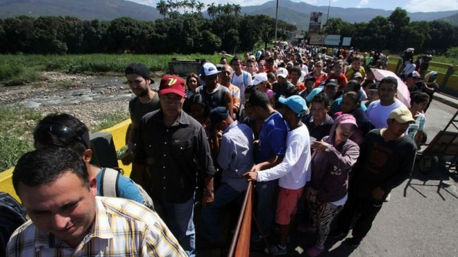 Long queues formed in the main crossing, linking San Antonio del Tachira in Venezuela to Cucuta in Colombia | AFP