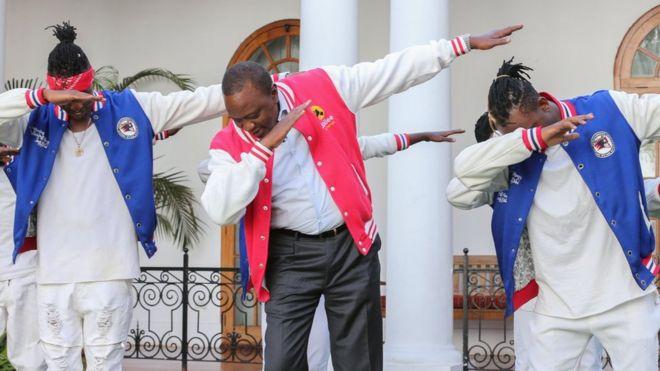 Rais Kenyatta akicheza densi iliozua hisia kali miongoni mwa Wakenya