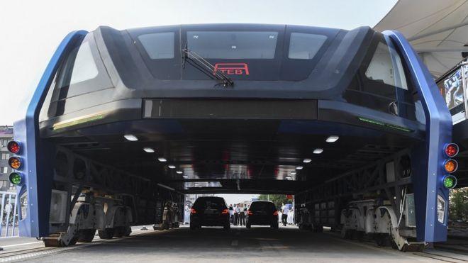 'Superônibus', em fase de testes na China