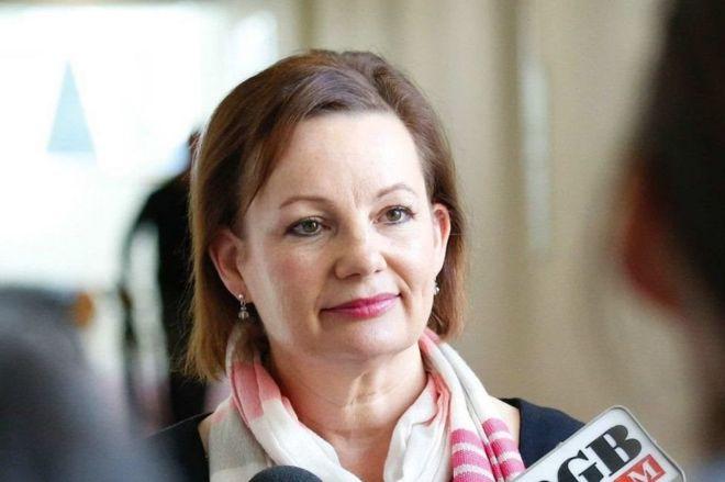 В Австралии министра уволили из-за поездок за счет государства