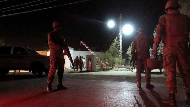 کوئٹہ پولیس سنٹر پر حملہ  ۔۔۔۔ تصاویر میں