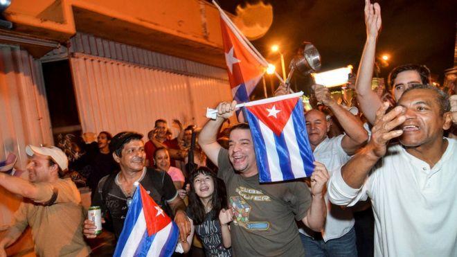 La reacción de los cubanos en Miami, el bastión del exilio cubano, tras conocer la muerte de Fidel Castro