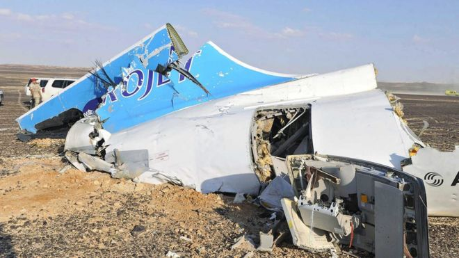 Debris from Russian plane in Sinai, 1 Nov 15