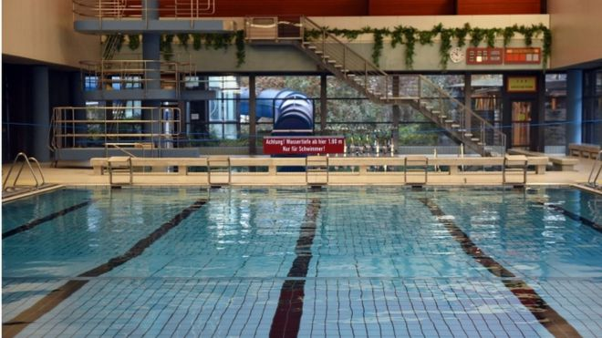 Migrant men banned from German swimming pool