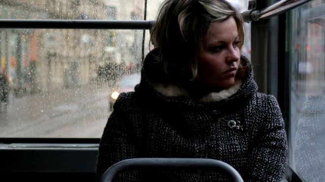 Женщина в трамвае