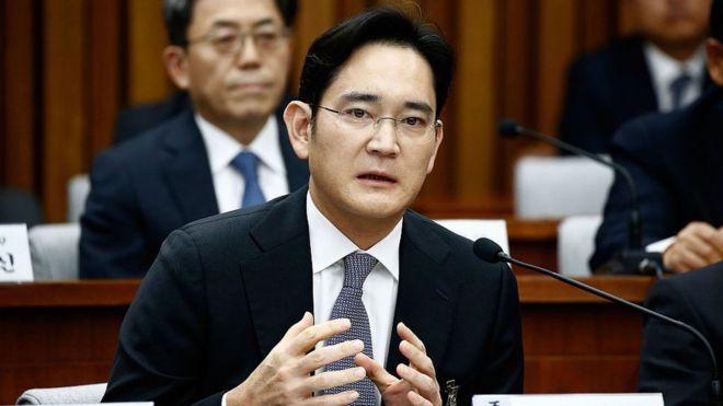 Фактического главу Samsung допросят по делу о коррупции