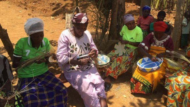 Baadhi ya wanawake katika kisiwa cha Nkombo, Rwanda