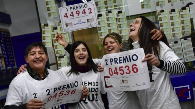 Жители бедного городка в Испании выиграли 56 миллионов евро