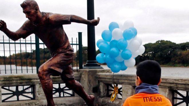 Բուենոս Այրեսում Մեսսիի բրոնզաձույլ արձանն է տեղադրվել