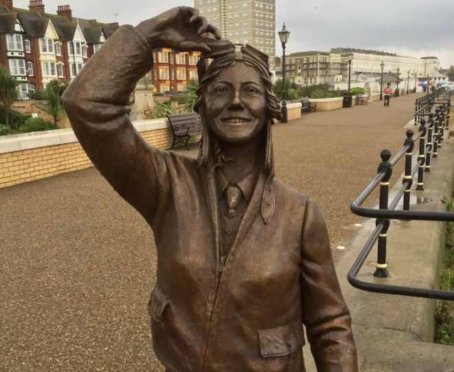 Amy Johnson statue in Herne Bay