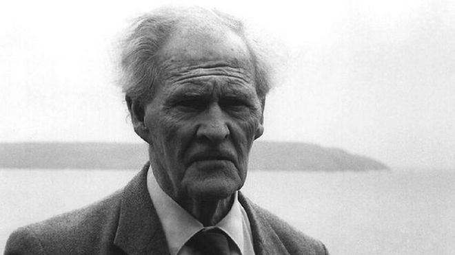 Image caption RS Thomas wrote his prose in Welsh and his poetry in English - _66238257_rs_thomas_01
