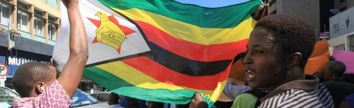 Zimbabwe shutdown: What is behind the protests? _90368187_63424a59-053d-42a5-867b-12ba0117d2f1