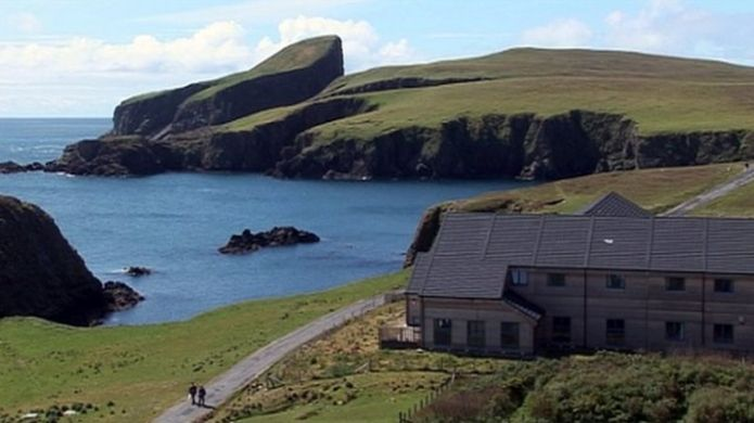 http://ichef-1.bbci.co.uk/news/695/cpsprodpb/13EFB/production/_91395618_fair_isle.jpg