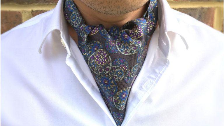 http://ichef-1.bbci.co.uk/news/768/cpsprodpb/A28A/production/_90001614_enlai_grey_black_purple_silk_ascot_tie_cravat_massive.jpg