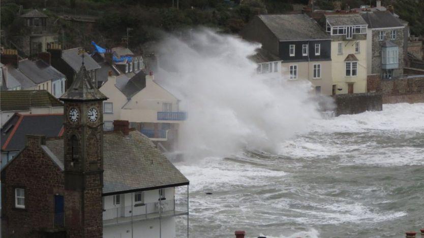 шторм в Корнуолле