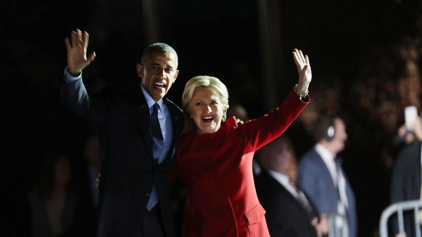 Barack Obama and Hillary Clinton - waving