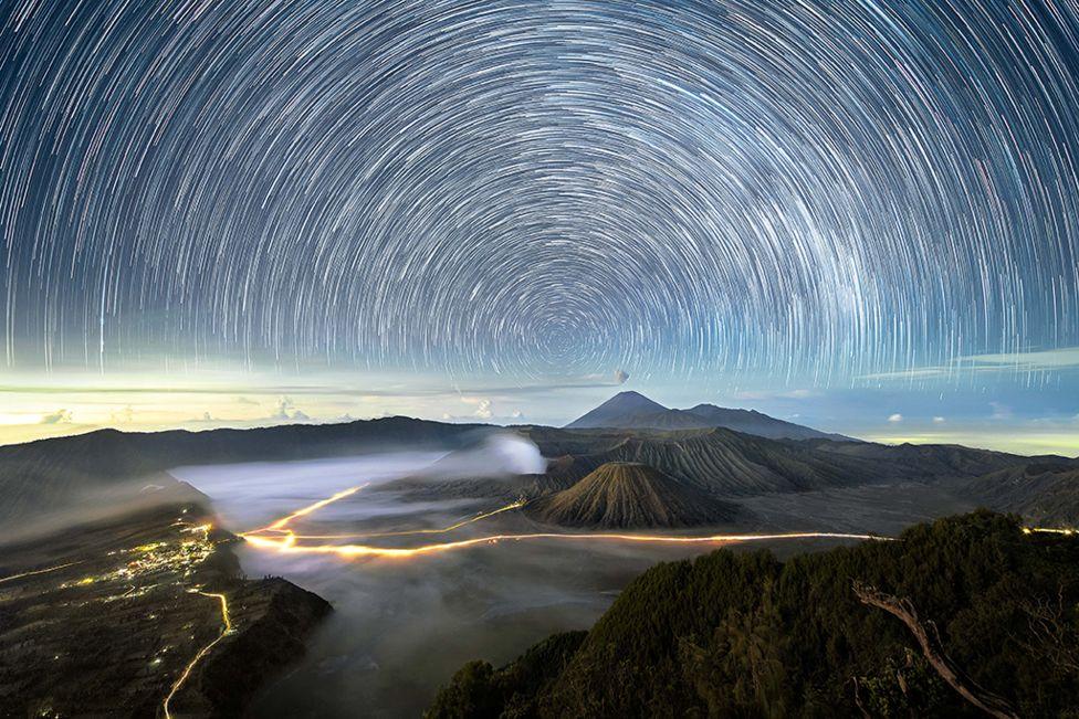 Noche estrellada sobre el sureste asiático