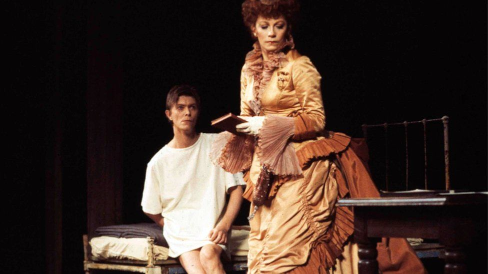 David Bowie and Patricia Elliot in the Broadway performance of The Elephant Man