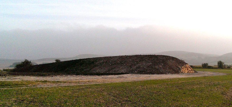 Belas Knap Chambered Long Barrow - South of Winchcombe ...